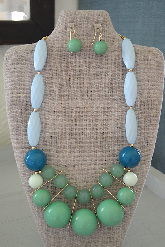Green Beaded Necklace Set, Green and Blue Jewelry, Green Jewelry, Blue Jewelry, Necklace and Earrings, Beaded Jewelry