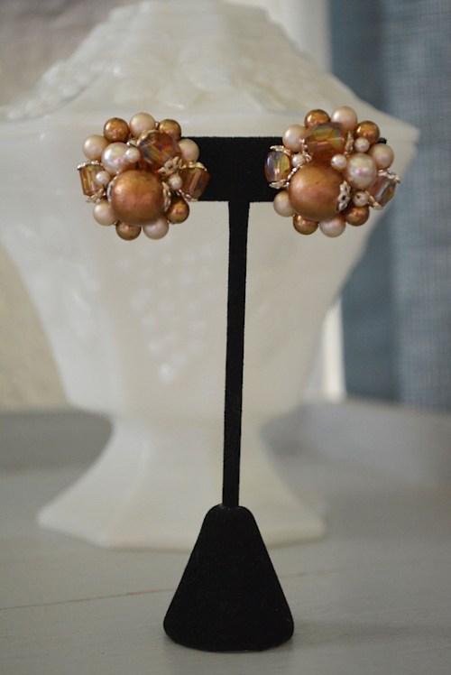 Brown Beaded Earrings, Vintage Earrings, Vintage, Brown Earrings, vintage jewelry, Button Earrings, Browns