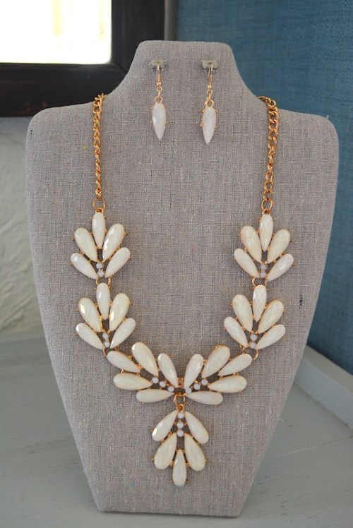 Ivory Necklace Set, Ivory Jewelry, Ivory Necklace and Earrings,Necklace and Earrings