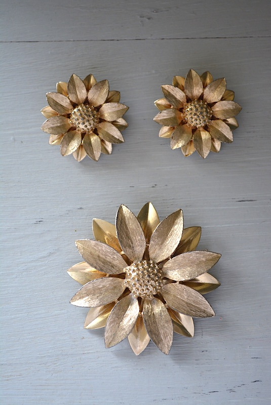 Gold Flower Brooch Set,Sarah Coventry, Sarah Coventry Brooch and Earrings, Signed Sarah Coventry Jewelry, Gold Flower Jewelry