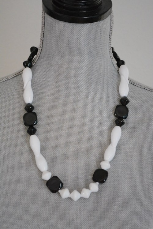 Black and White Beaded Necklace, Black and White Necklace, Black and White Jewelry, Arthur David, 1980's Jewelry, 1980's Fashion,