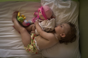 co-sleeping toddler