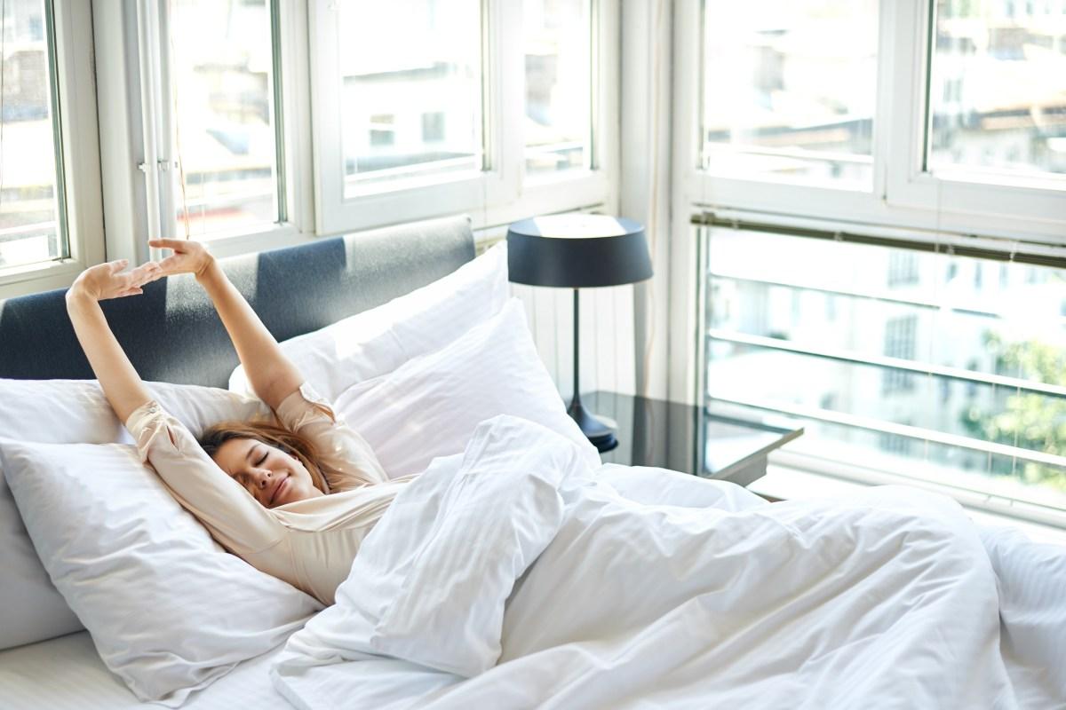 Waking Up Between Sleep Cycles & During REM Sleep? 4 Reasons Why