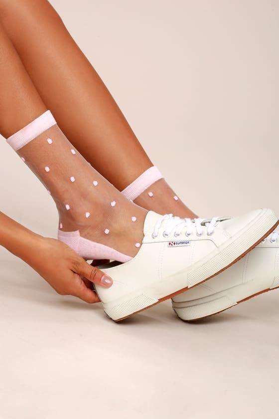 Comment porter les baskets ? - Sleepy Kate Porter les baskets avec des chaussettes fantaisies#style
