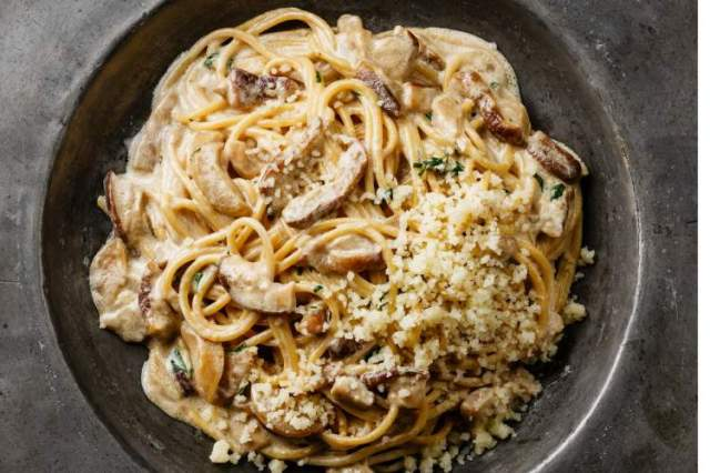 Healthy Meal Plan dinner is the perfect One Pot Creamy Mushroom Pasta.