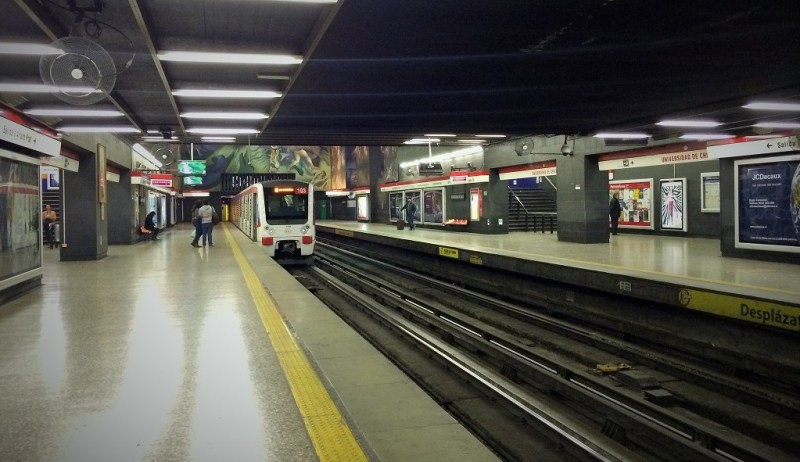 the Santiago metro is South America's most extensive metro system!