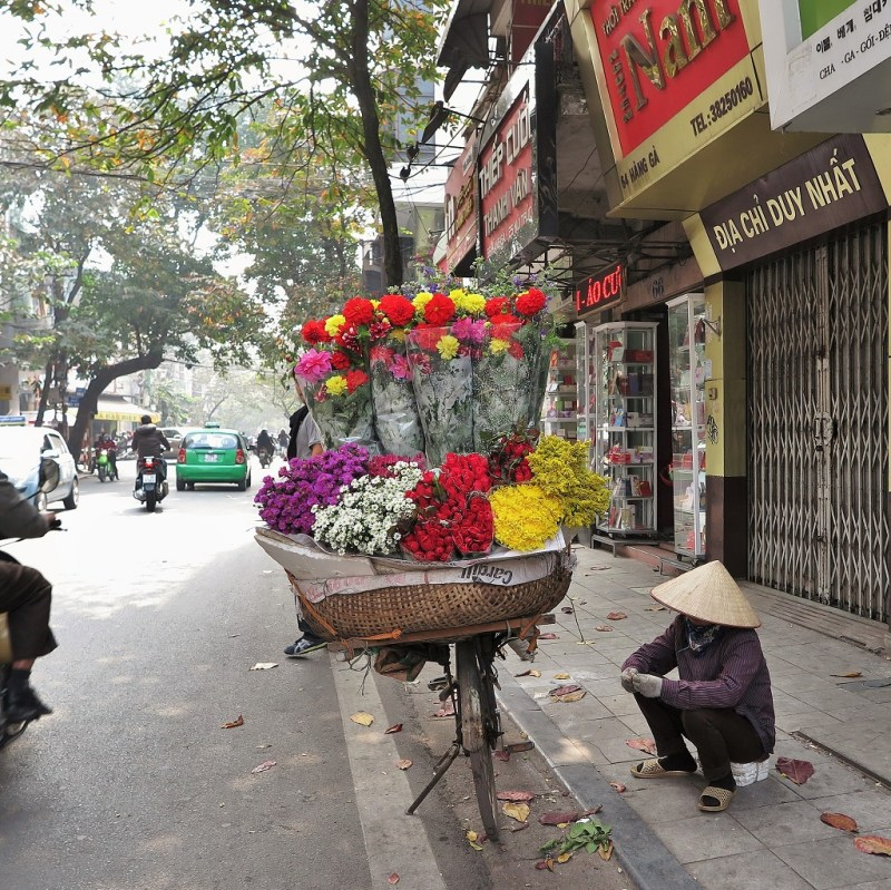 flower vendors are probably the cheeriest sight