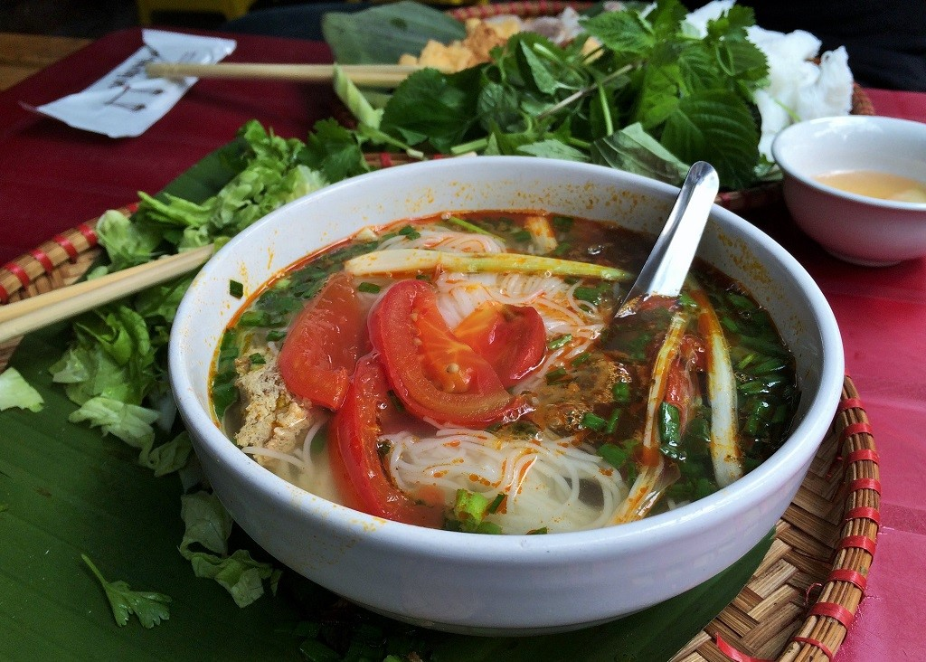 Vietnam eats: 10 dishes to try in Hanoi | slightly astray
