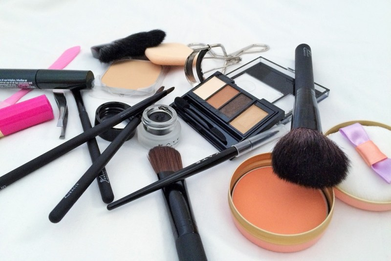 travel must haves beauty edition makeup
