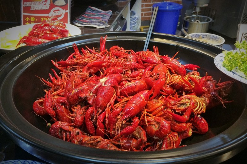 crawfish is also aplenty and is a popular late-night roadside snack. Unfortunately we were too full to eat any
