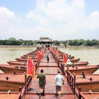 Of pavilions and little wooden boats: a walk across Chaozhou's ancient bridge