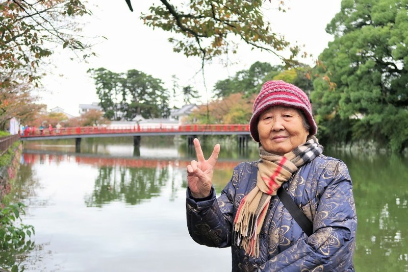 japan-trip-grandma-at-odawara