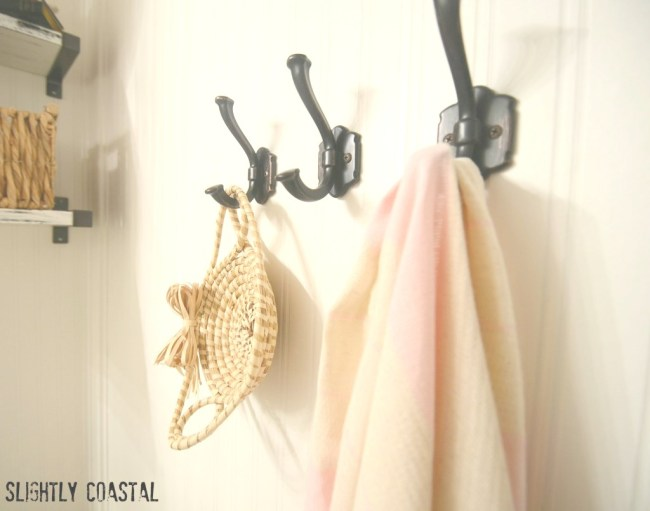 Coastal-Bathroom-Bead-Board-Wallpaper