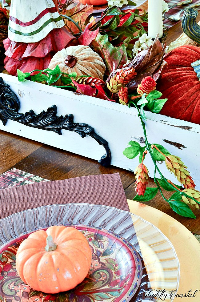 This beautiful Thanksgiving Tablescape was created using mostly disposable paper plates. A quick easy  sc 1 st  Slightly Coastal & Paper Tablescape Thanksgiving |