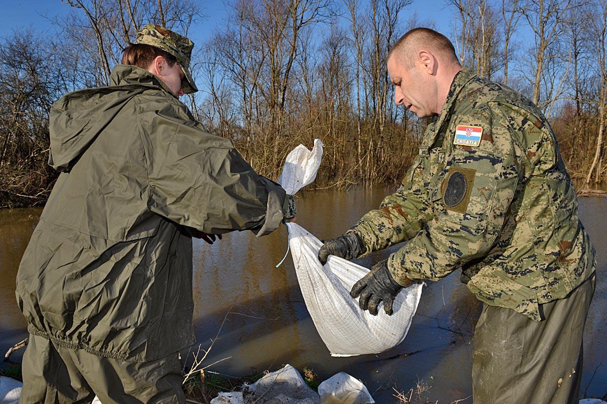 hrvatska vojska poplave slavonija
