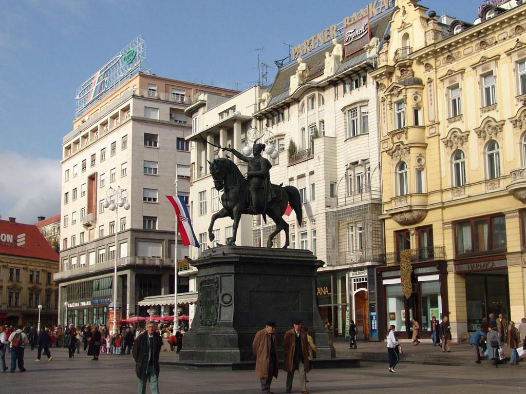 gradovi-pozadine-za-desktop-0002-Zagreb-trg-bana-jelacica