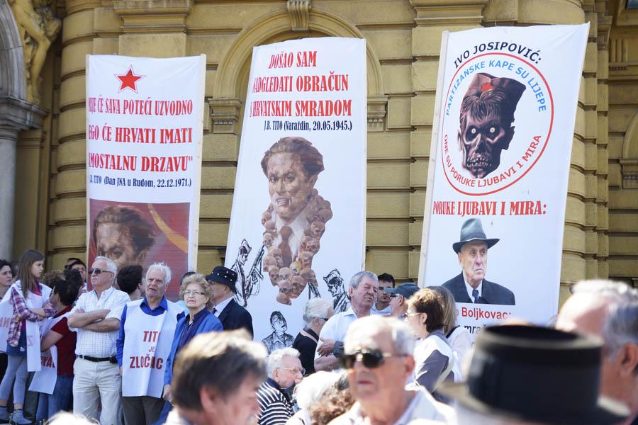 Zagreb, 05.05.2012 - Javni prosvjed Kruga za trg i Hrvatskog helsinskog odbora za promjenu imena Trga marsala Tita