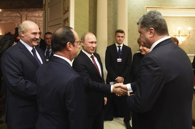 vladimir putin porošenko merkel ukrajina prekid vatre rat