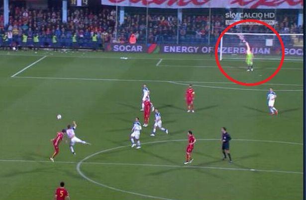 crna gora rusija prekinuta utakmica ruski vratar golman Igor Akinfejev baklja