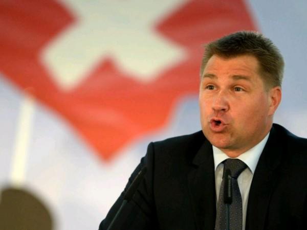 švicarska izbori toni brunner svp