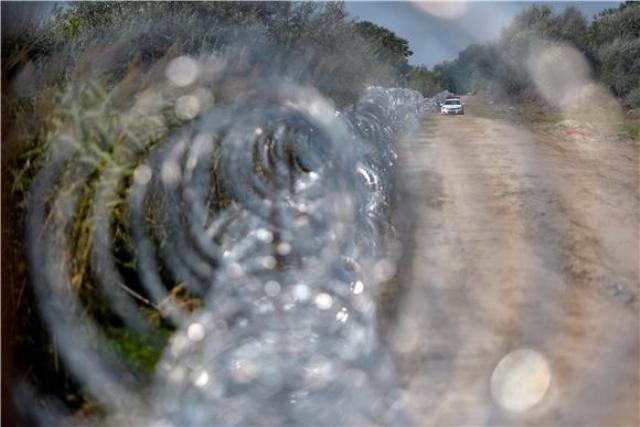 slovenija ograda žica granica