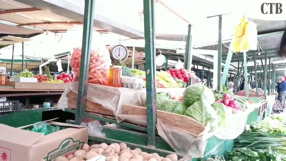На пазарите раноградинарските производи поскапеа поради Велигден