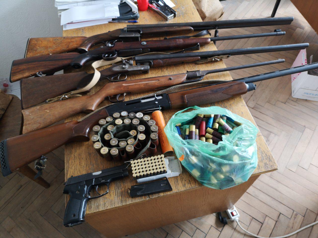 Битолчанец недозволено поседувал оружје: Еве што е пронајдено во неговиот дом