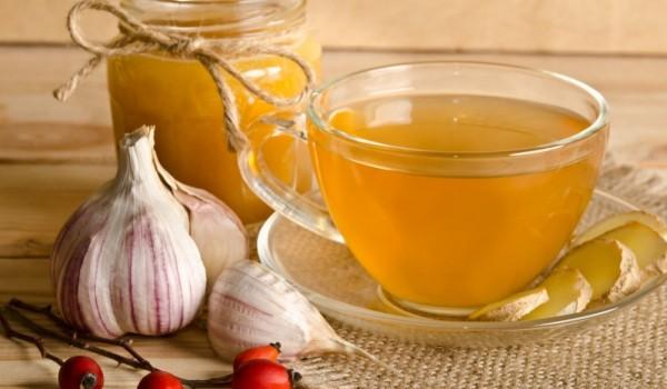 Чај со лук и нане – Народен лек против настинка и воспалено грло (РЕЦЕПТ)