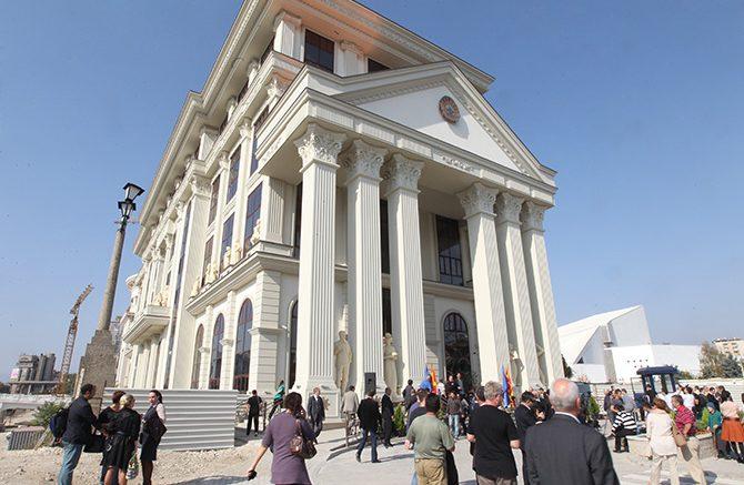 Вратени на работа во МНР дипломати кои беа избркани поради настаните од 27 април
