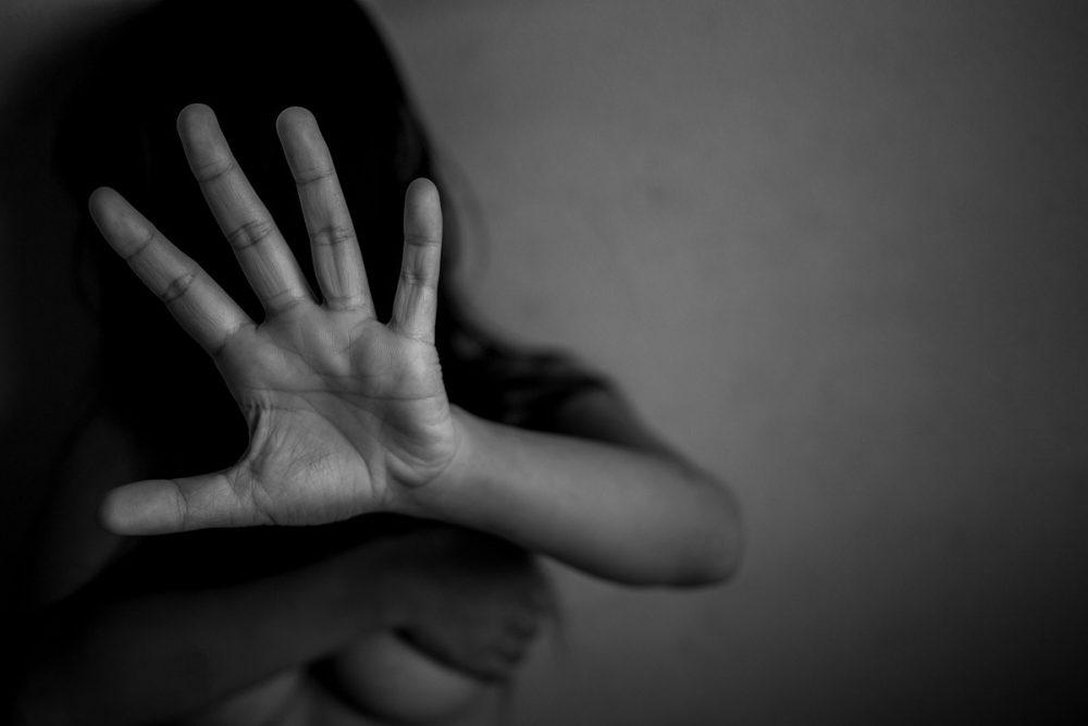 Девојка од Скопје истепана од својот татко и брат
