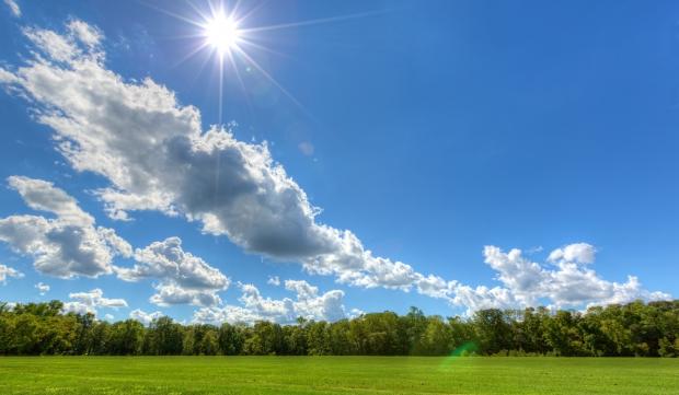 Времето денес сончево со слаб северен ветер и температура до 35 степени