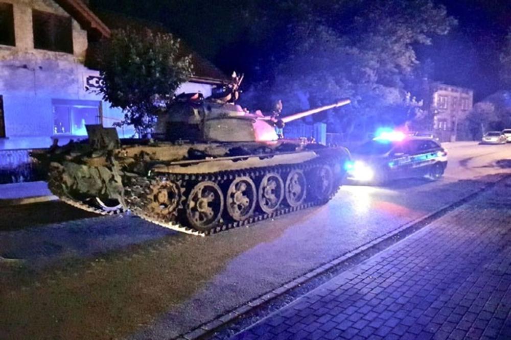 Пијан влегол во тенк да се повози – Полицијата веднаш го уапсила