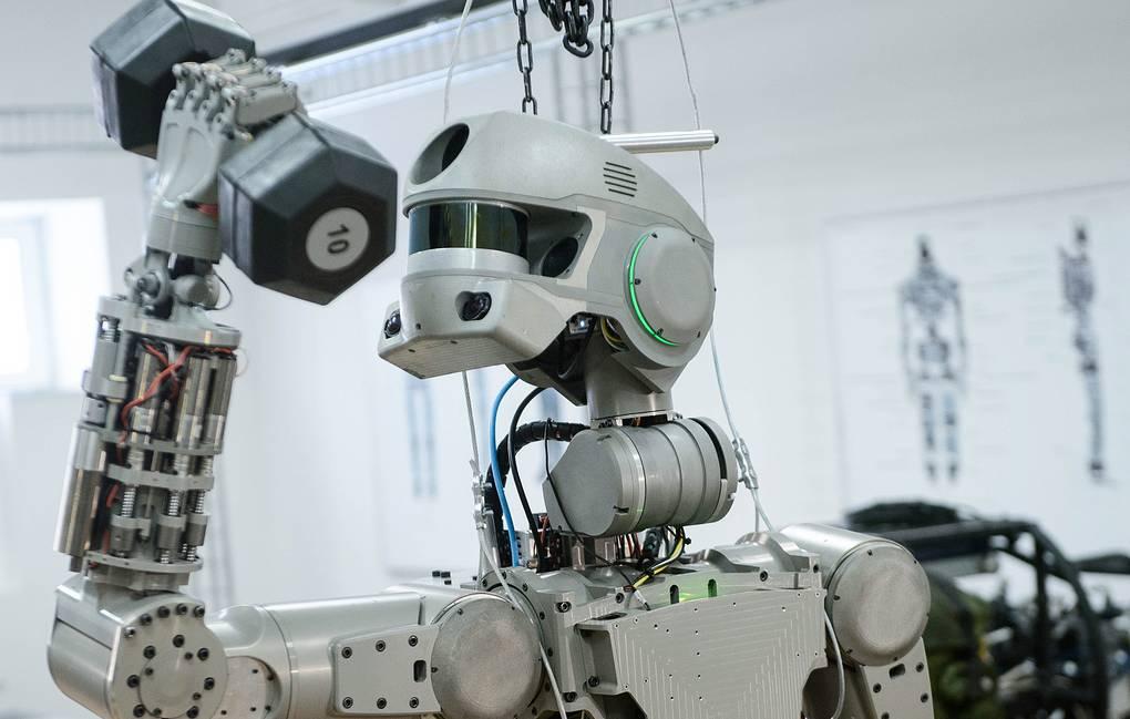 Рускиот хуманоиден робот Федор заминува во вселената