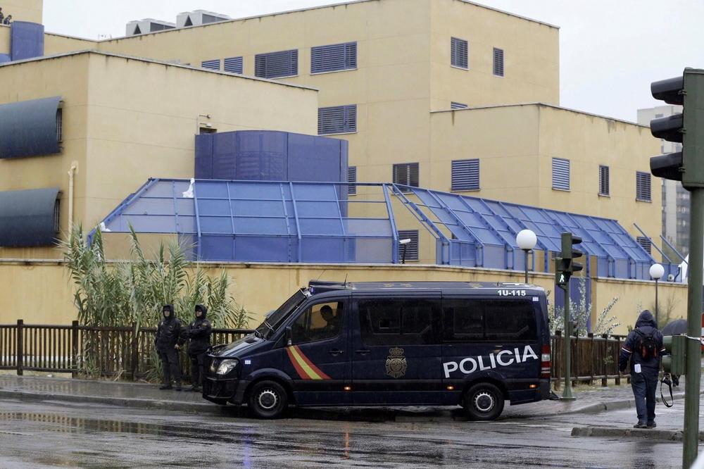 СПРЕЧИЛЕ ТРАГЕДИЈА: Полицијата во Подгорица деактивирала експлозивна направа во двор од куќа
