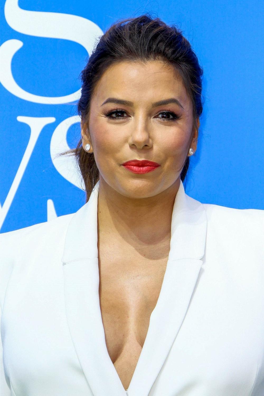 Убавата актерка на црвениот тепих покажа нешто најубаво: ЕВА ЛОНГОРИЈА е мајка ипол! (ФОТО)