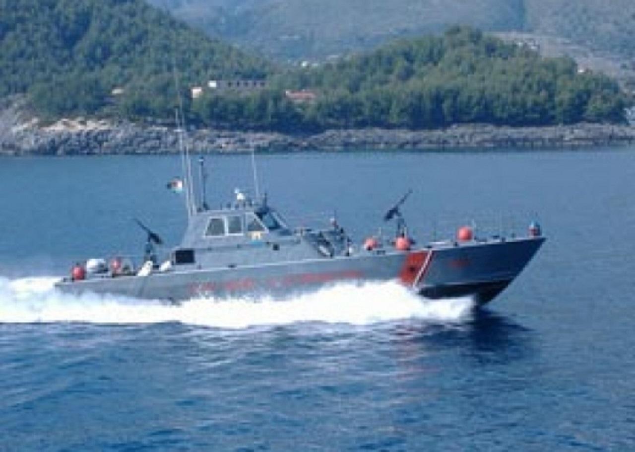 СПАСУВАЧКА АКЦИЈА НА МОРЕ: На јахта и откажале моторите, албанската стража спаси 8 Срби (ФОТО)