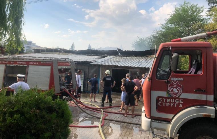 Изгоре хангарот на Едриличарскиот клуб во Струга
