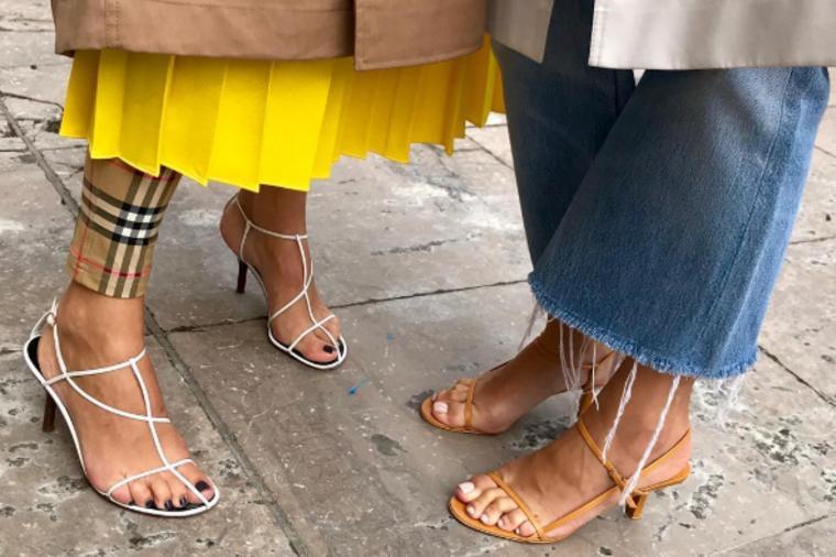 Модните експерти велат дека се вистински хит на сезоната: Враќање на сандалите од деведесеттите!