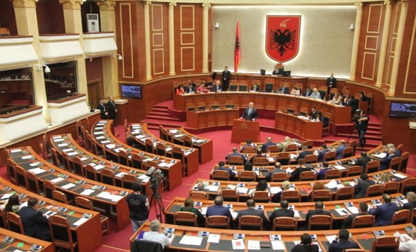 Васили: Најпрво владејачката партија да се изјасни за 13 октомври, па потоа дијалог за кризата