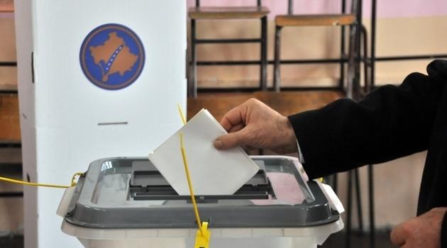 Поради мирисот на пликоата и алергија во Приштина прекинато броењето гласови од Србија