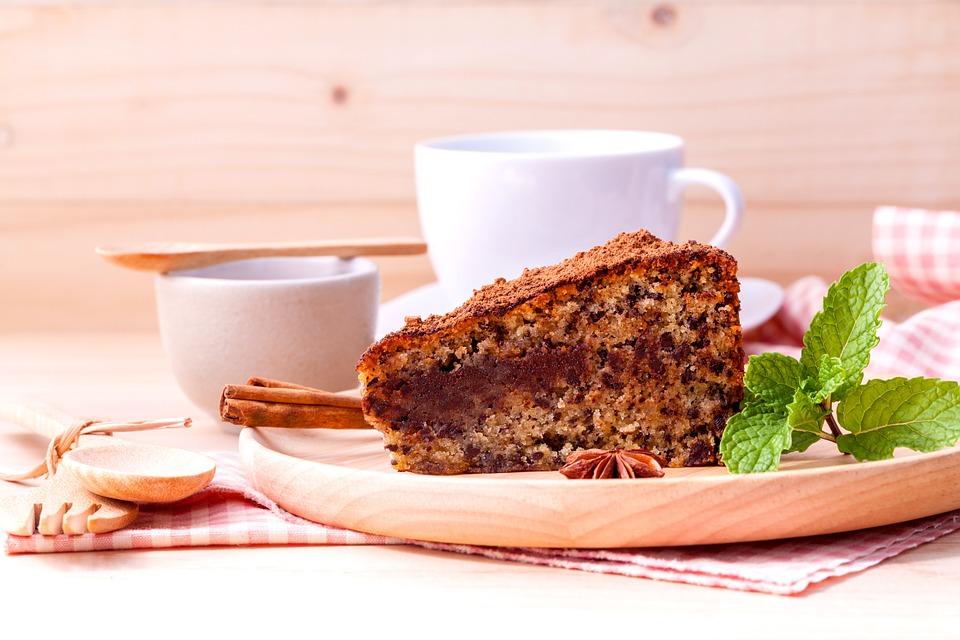 ЗА ДОБРО УТРО: Пенеста торта со кафе (РЕЦЕПТ)