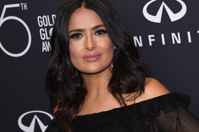 Еве што се крие под мејкапот: Вака изгледа Селма Хаек без грам шминка!