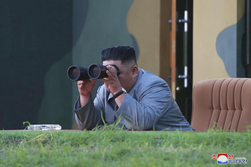 Ракетите кои ги тестираше Северна Кореја летале цели 330 километри пред да паднат во море