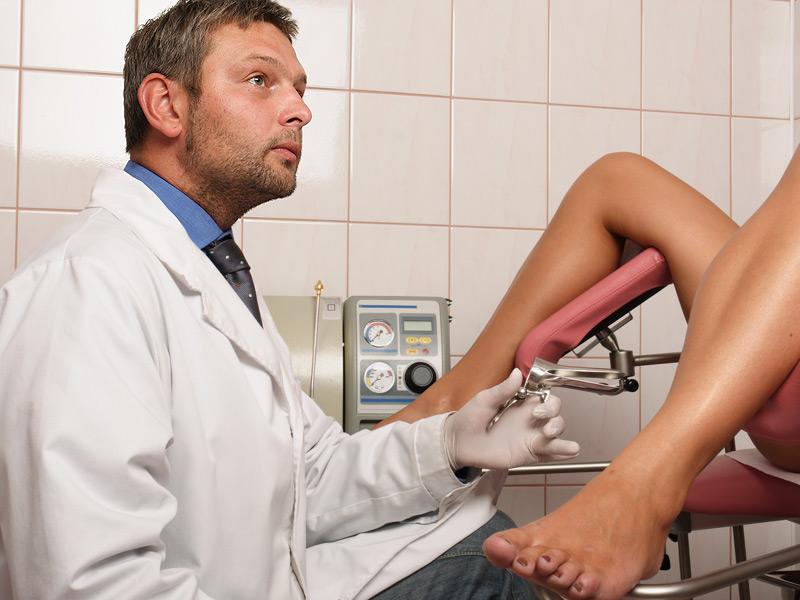 Во гинеколошка ординација: На докторот не му се верувало што прави девојката додека ја прегледувал (ВИДЕО)