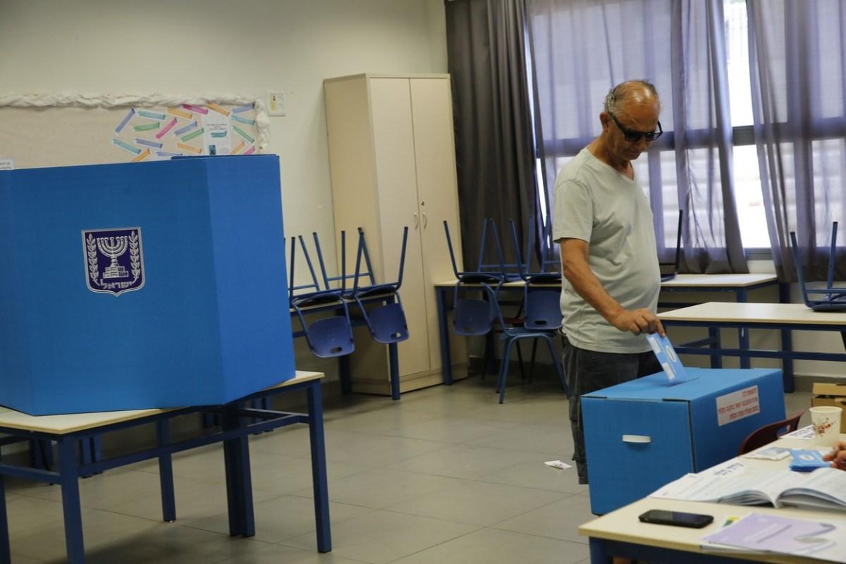 Тесни резултати на изборите во Израел – утре започнуваат преговорите за нови коалиции