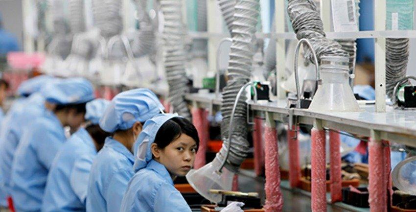 КОШМАР: Вработени во фабрика во Кина под казна се ставаат во ќош