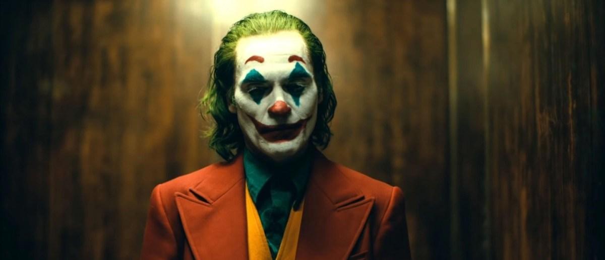 Неверојатниот Хоакин Феникс и официјално повторно ќе го игра Џокер!