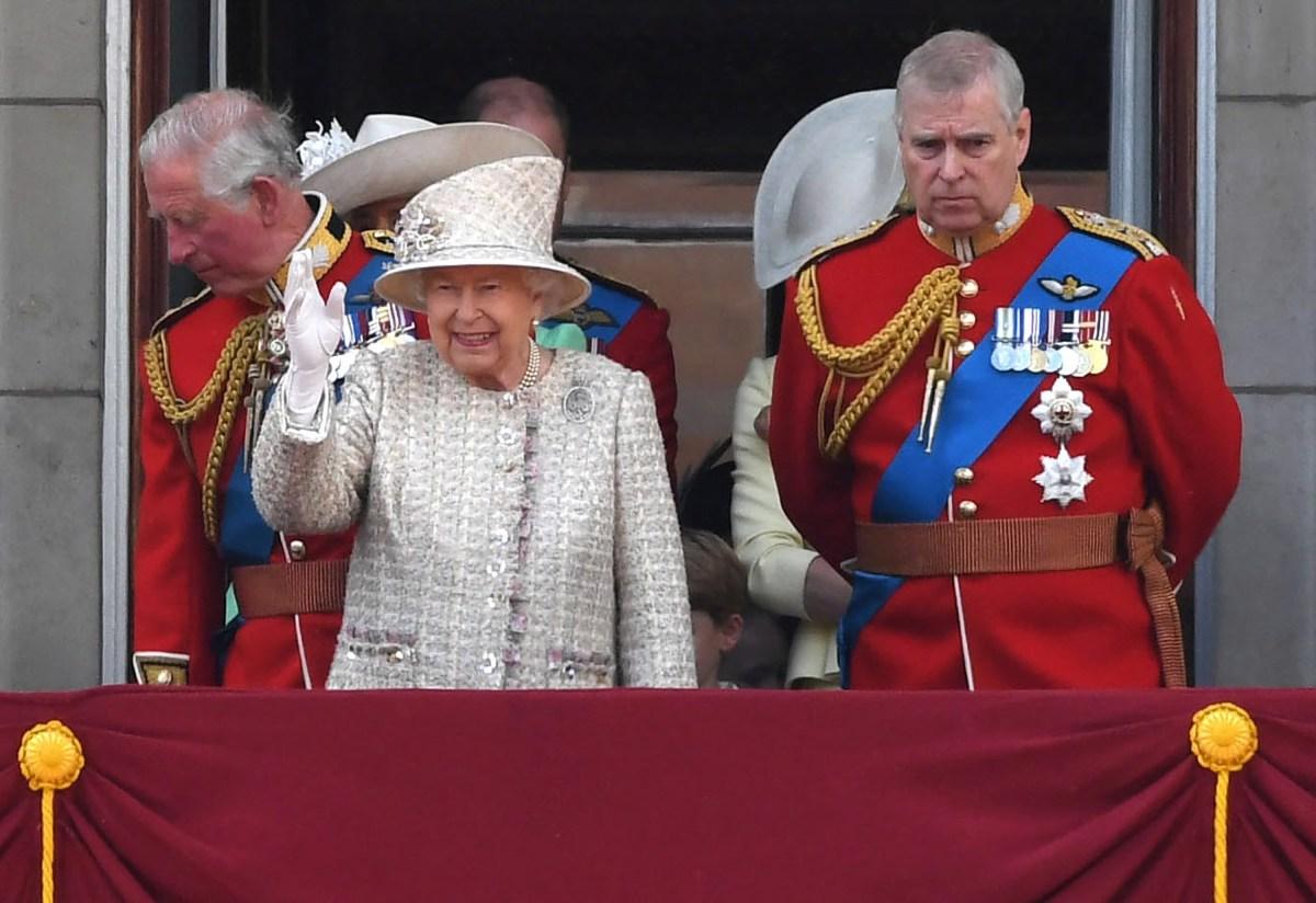 Прво појавување во јавност за принцот Ендрју по повлекувањето од кралските должности