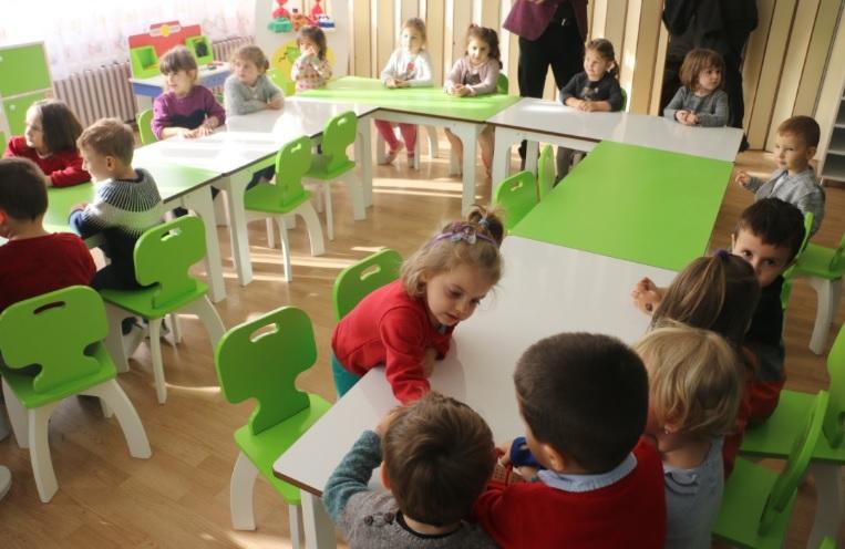 """Пуштени во употреба реновираните училници во детските градинки """"Фидани"""" и """"Снежана"""""""