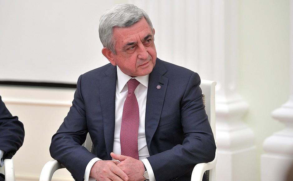 Поранешниот претседател на Ерменија осомничен за проневера на милион долари